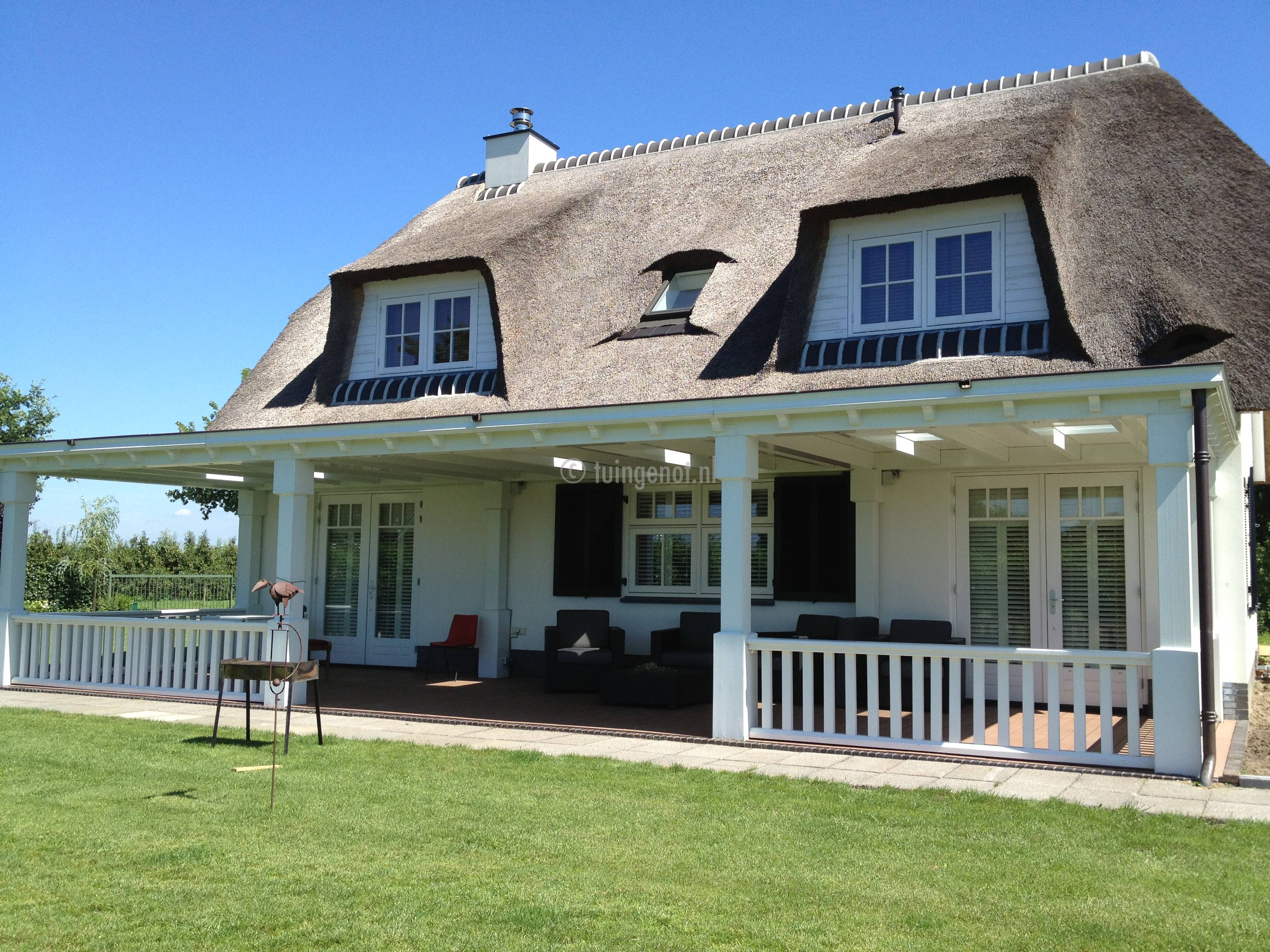Tuingenot veranda en overkapping zowel van hout als van aluminium - Uitbreiding veranda ...