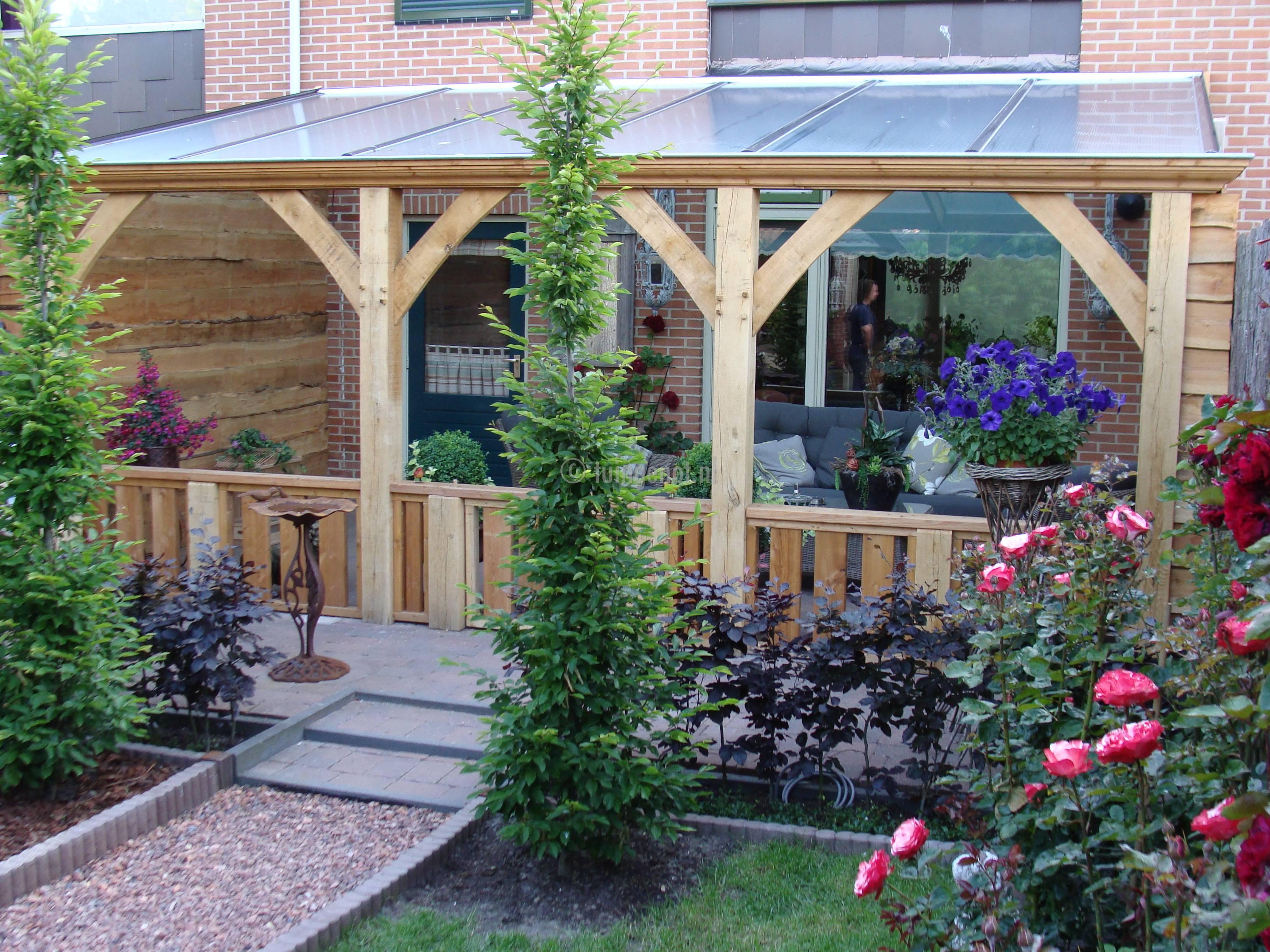 Tuingenot eikenhouten veranda met zinken goten daken van glas polycarbonaat platen - Veranda ou uitbreiding ...