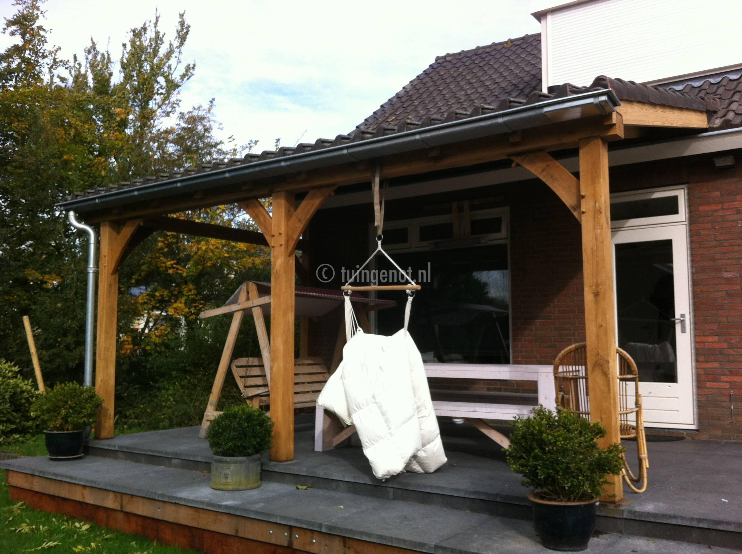 Tuingenot eikenhouten veranda met zinken goten daken van glas polycarbonaat platen - Pergola dakbedekking ...