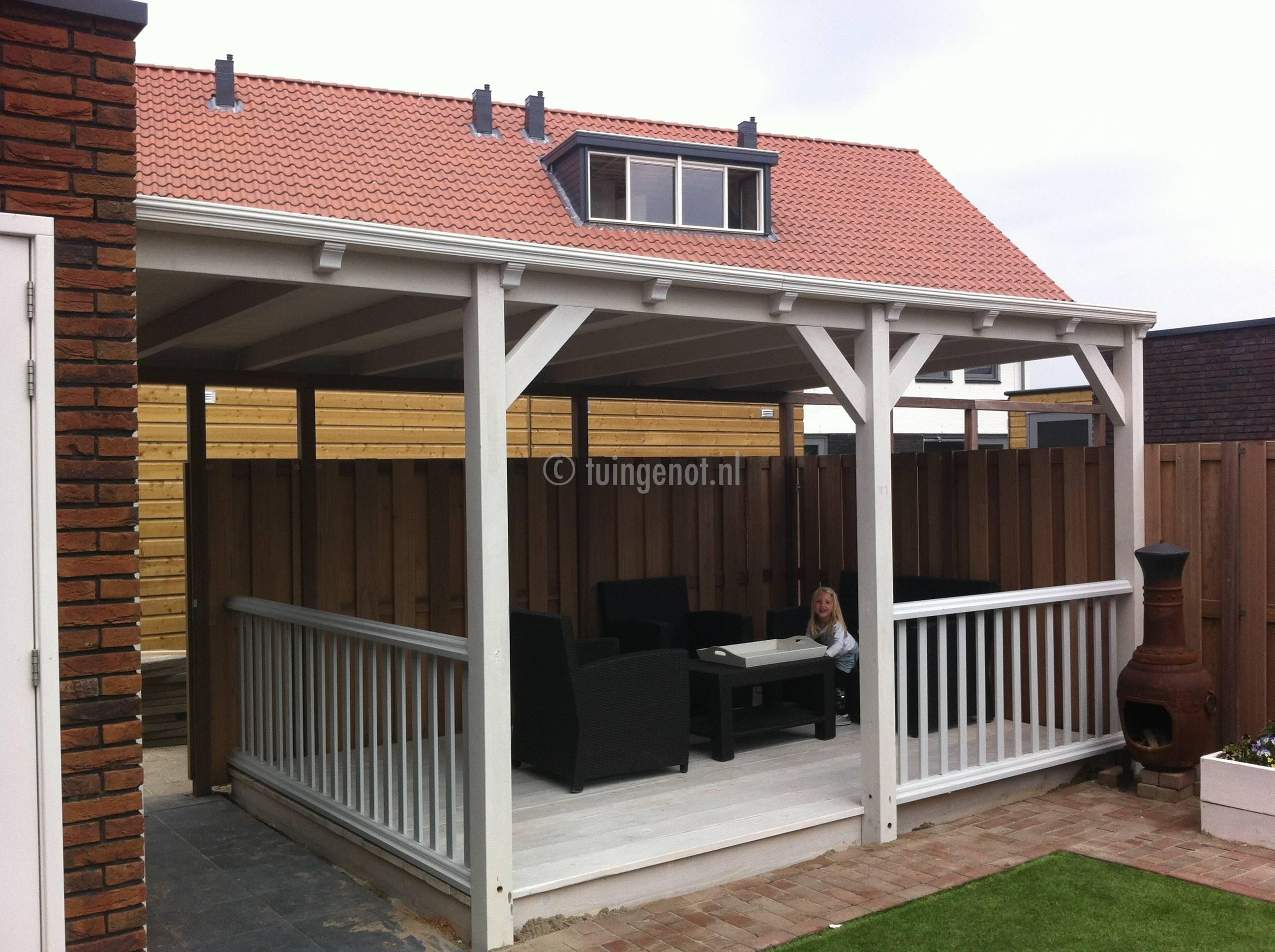 Tuingenot tuingenot hardhouten meranti veranda voor een strak schilderwerk keuze uit glazen - Veranda met dakpan ...